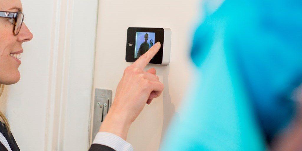 Spioncino digitale i 5 migliori spioncini elettronici per for Spioncino elettronico per porte blindate