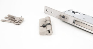quanto costa cambiare una serratura di porte blindate